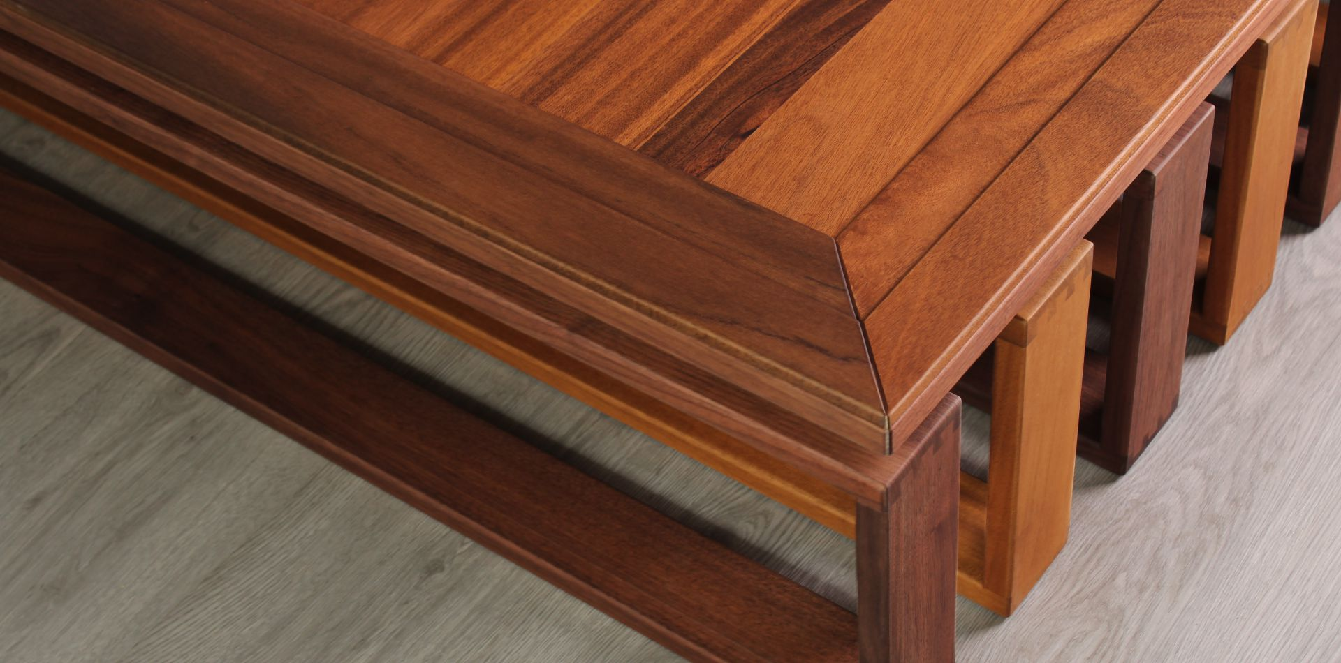 Alfred Center Table Detail   Wood Tailors Club - The Art of Craftsmanship