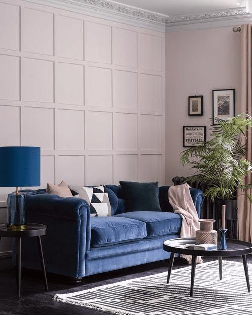 Classic Blue Pantone-Sofa